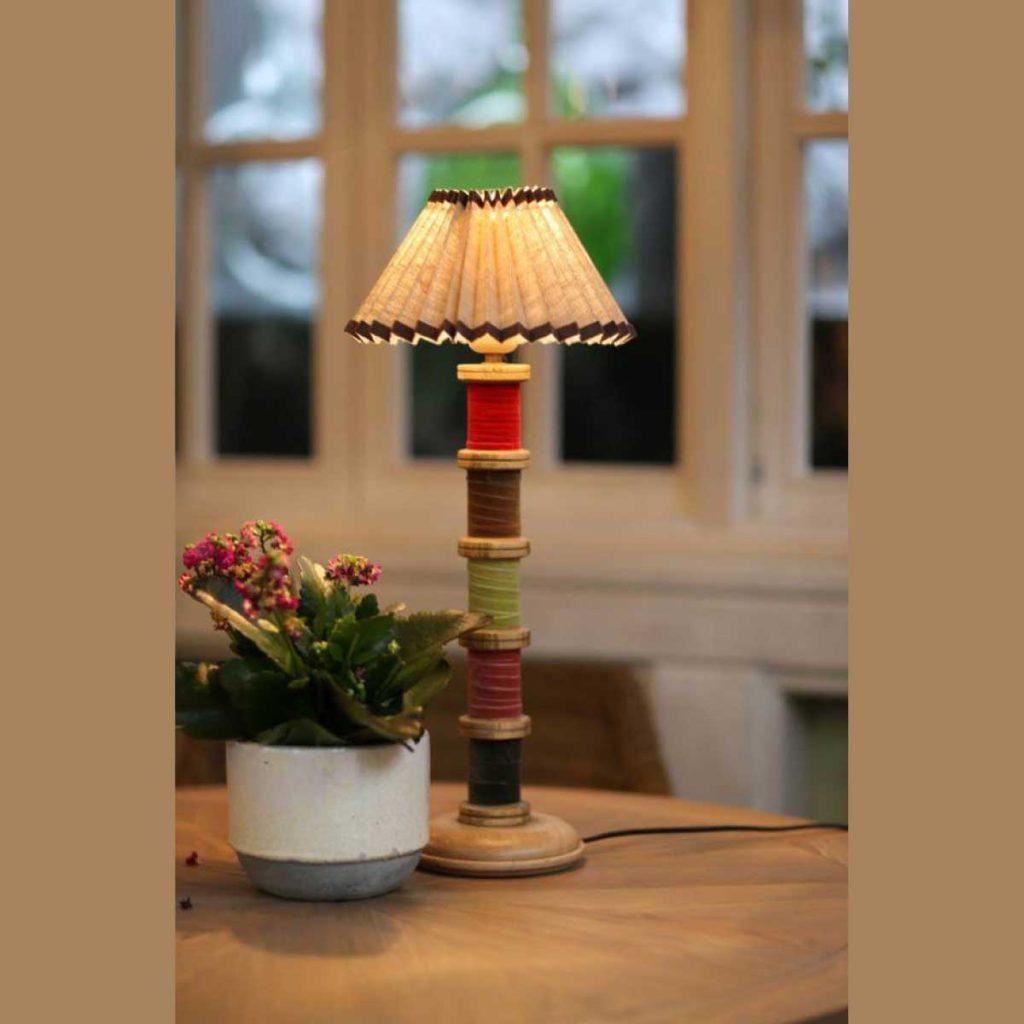 Деревянная лампа с абажуром 043.1.25 Т