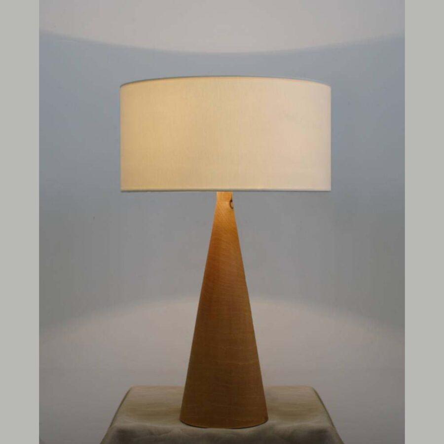 Настольная лампа из дерева 129-01Т