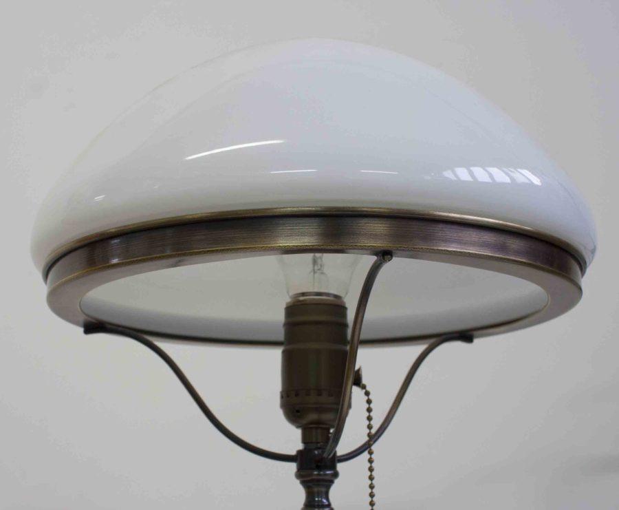 Лампа настольная из латуни 185.03Т