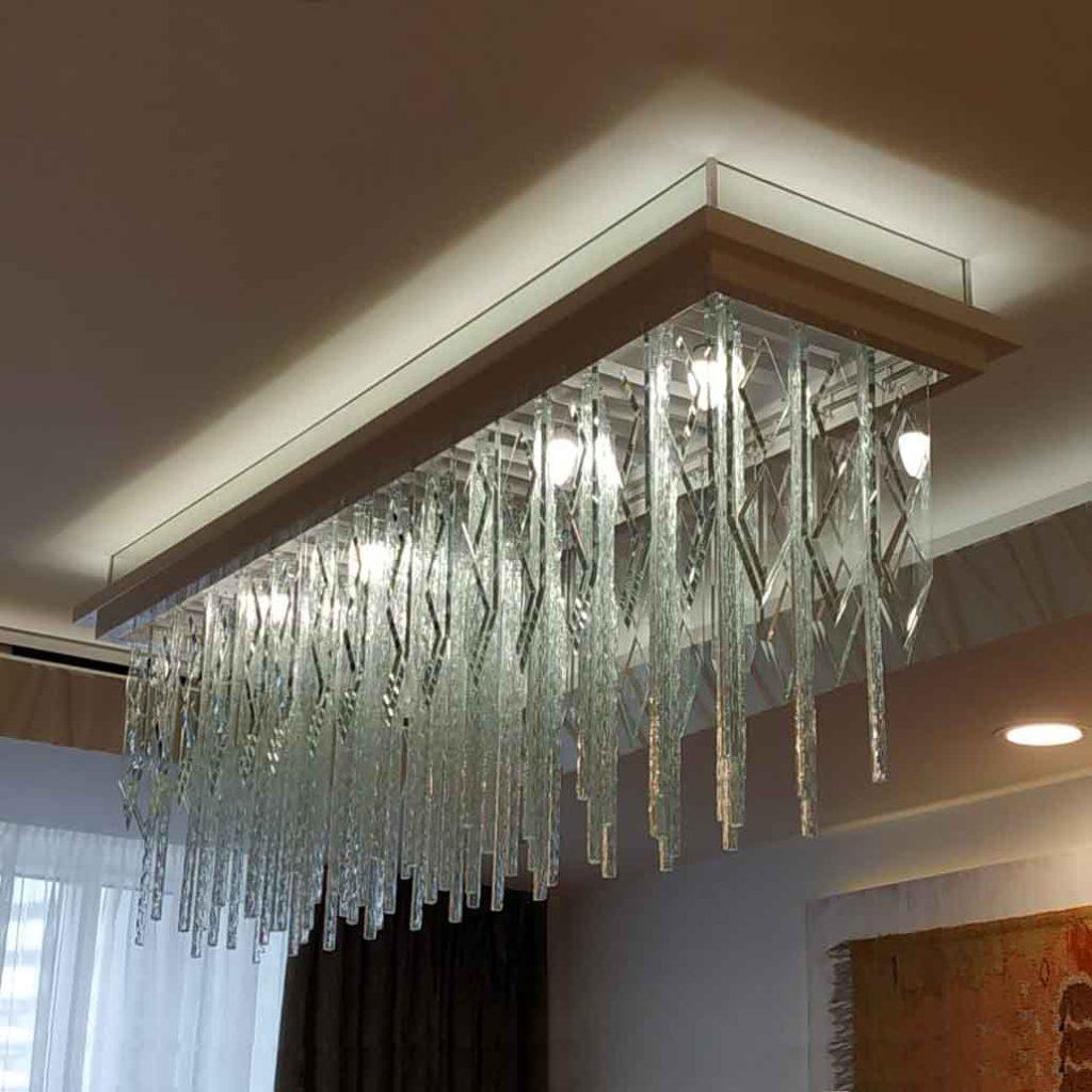 Люстра потолочная с подвесками из стекла ЛК217-01