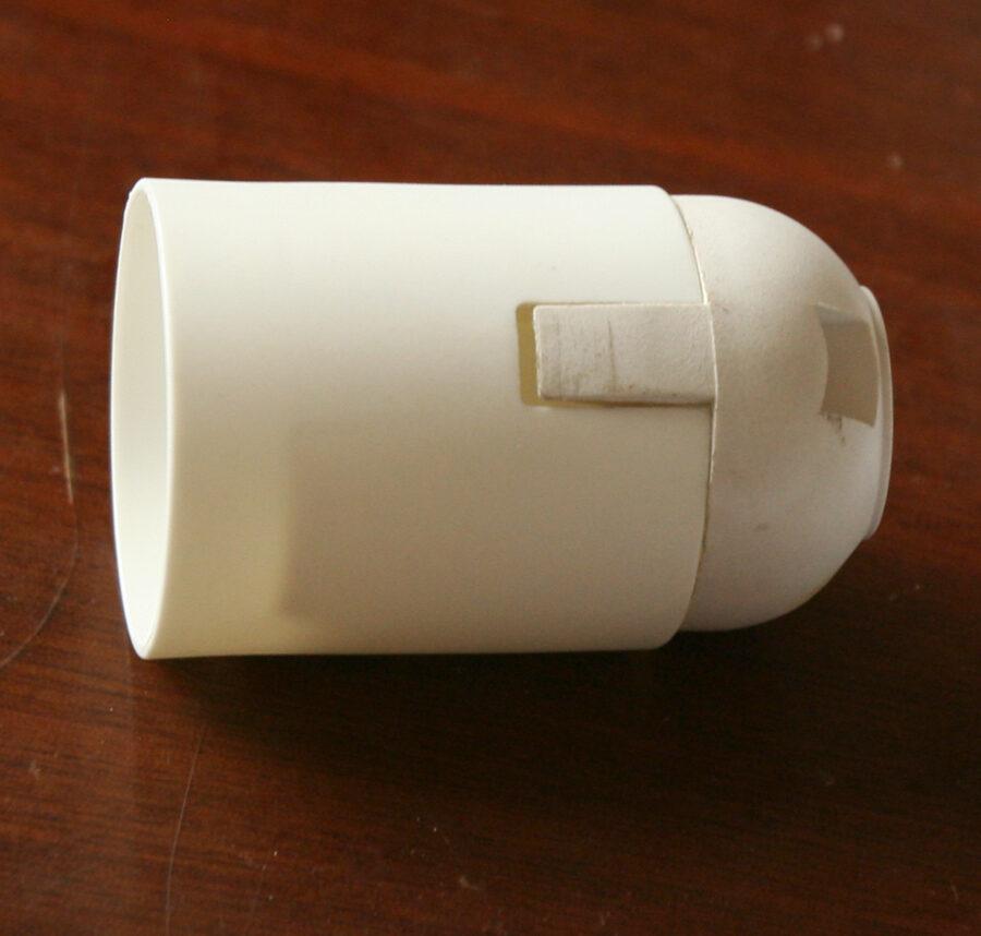 Электрический патрон Е27 белый
